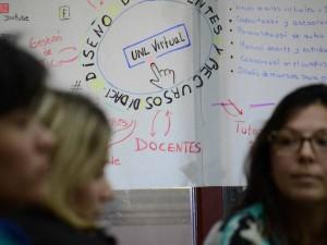 Narrativas académicas en entornos hipermediales: el caso UNLVirtual