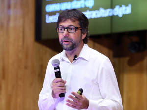 Hugo Pardo Kuklinski brindará una Conferencia Abierta sobre «Educación y Cultura Digital»
